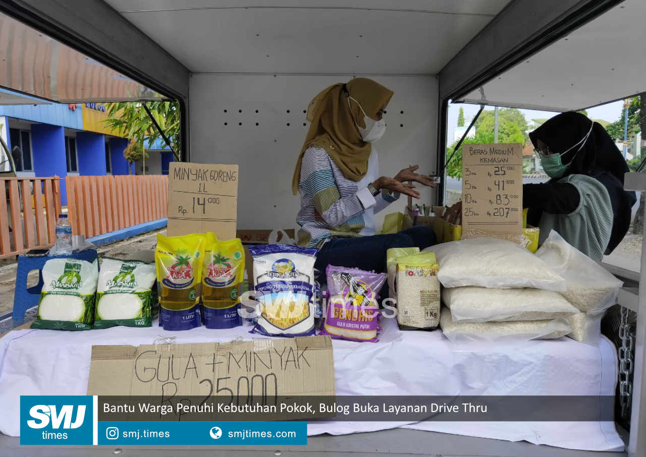 bantu warga penuhi kebutuhan pokok bulog buka layanan drive thru